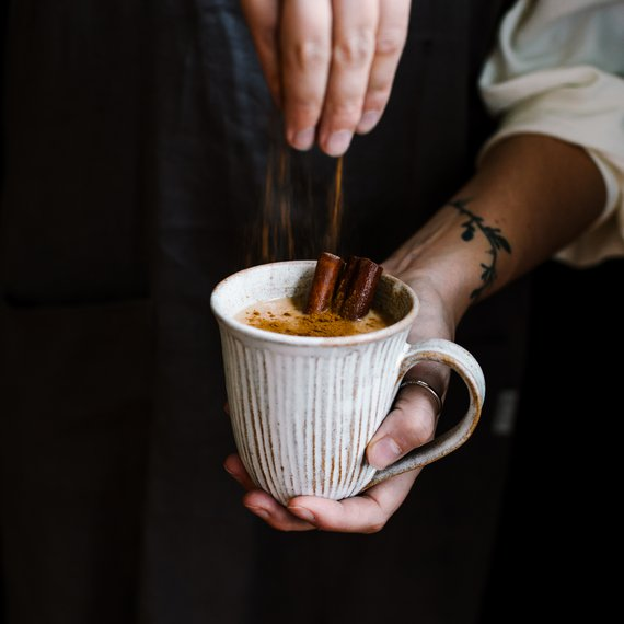 Chai latte se skořicí