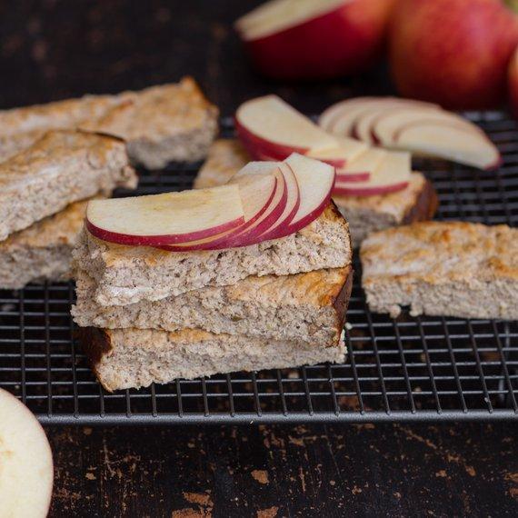 Jablečné tyčinky se skořicí a proteinem