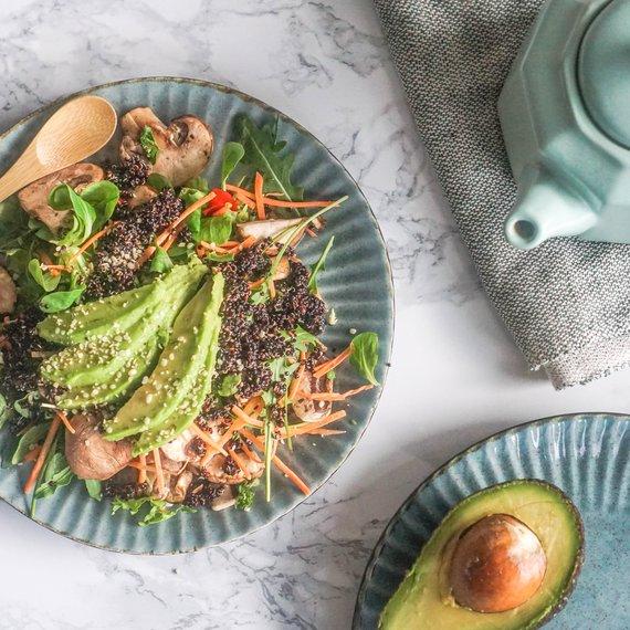 Salát s černou quinoou