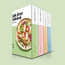 <p>Jsou to kuchařky nebo průvodci zdravým stravováním? Obojí! Kromě 377 sezónních receptů v knize najdete celou řadu srozumitelných návodů a tipů, jak jíst zdravě. Nádherné knihy vám ukážeme, že jíst lépe není žádná věda a výborné jídlo snadno připravíte do 30 minut. Získejte inspiraci na každý den v roce ještě dnes.</p>