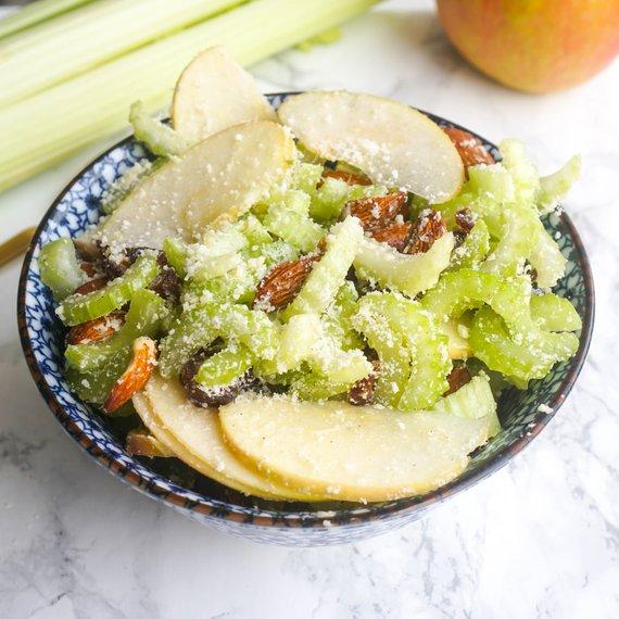 Jarní salát s řapíkatým celerem