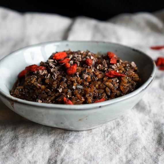 Bulgurová kaše s kakaovými boby a goji