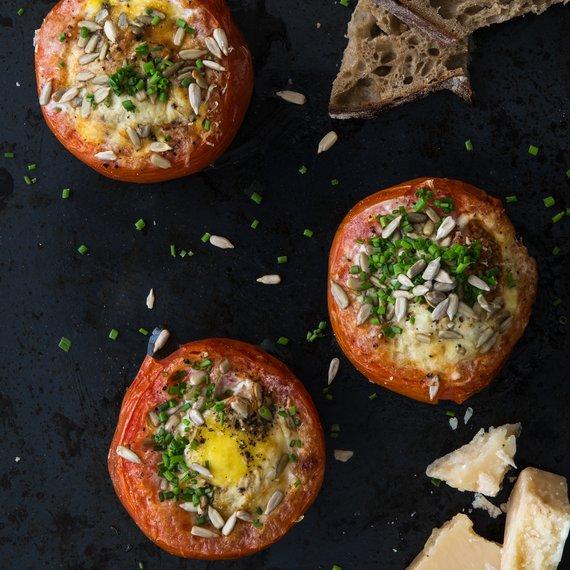 Zapečená rajčata s pažitkou a parmazánem