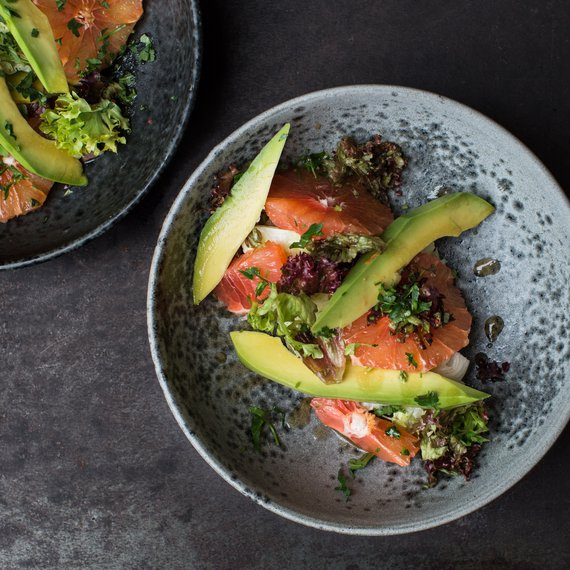 Salát s avokádem a grepem