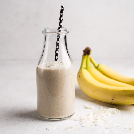 Banánové smoothie s kokosem