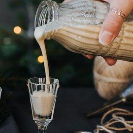 Domácí vaječný koňak z kokosového mléka
