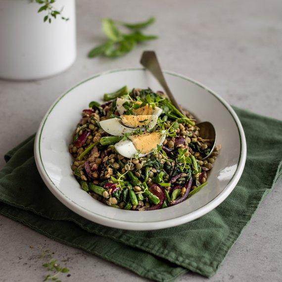Salát ze zelené čočky s vejci