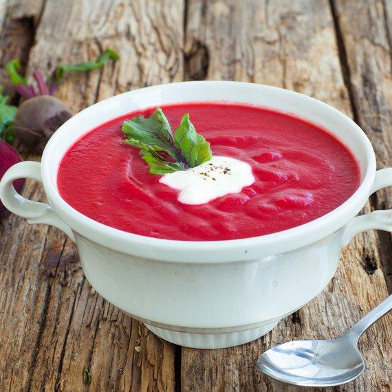 Jemná polévka z červené řepy