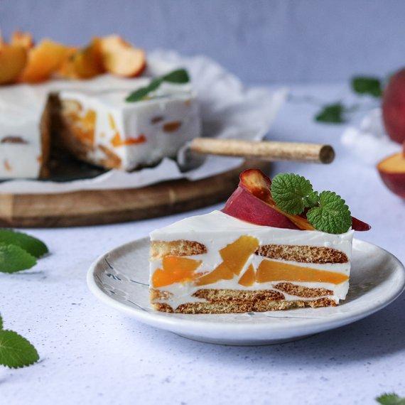 Tvarohový dort s domácími celozrnnými piškoty