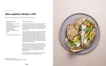 Štika v papilotě s cibulkou a chilli